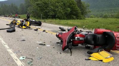 Страшна аварія в США: в зіткненні з легковиком загинули семеро байкерів