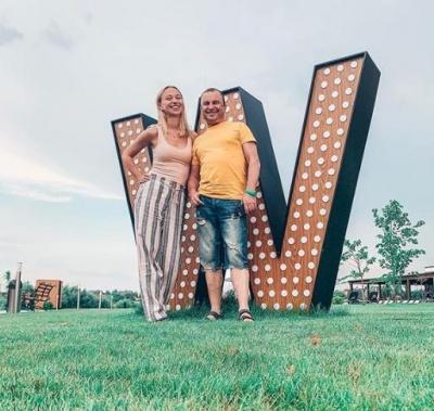 53-річний український співак пішов від дружини до 25-річної коханки