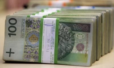 У Польщі молодь звільнили від сплати податку на прибуток
