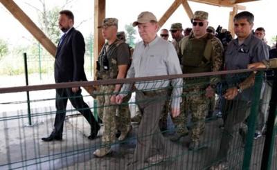 Кучма: РФ відвела озброєння біля Станиці Луганської