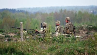 Бойовики випустили 38 мін по українських позиціях на Донбасі