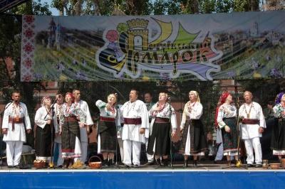 Петрівський ярмарок та байк-шоу з нареченими: розважальні заходи у Чернівцях у липні