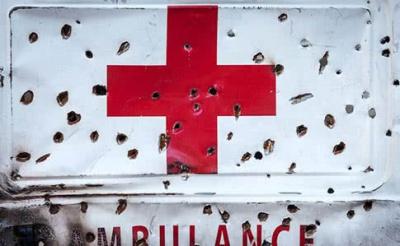 На Донбасі бойовики обстріляли санітарний автомобіль. Загинули двоє осіб