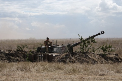 Доба в зоні ООС: двоє військових загинули від прямого потрапляння в санітарне авто