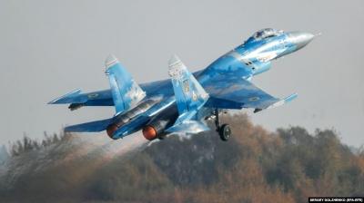 На Харківщині впав військовий літак: пілот-курсант вижив