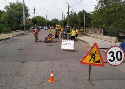 Розпочався ремонт вулиці Хотинської - фото