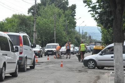 Як ремонтують вулицю Хотинську - фото
