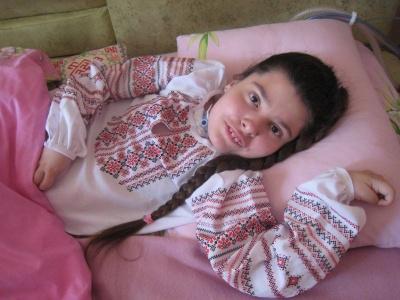 «Буду вивчати іноземні мови»: чернівчанка з інвалідністю закінчила школу із золотою медаллю