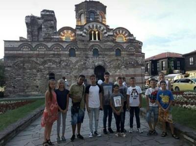 Оздоровлювались і вчили англійську: Діти-сироти з Чернівців відпочили в Болгарії - фото