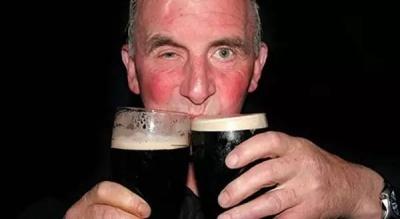 Червоне обличчя після вживання алкоголю: про які хвороби це свідчить