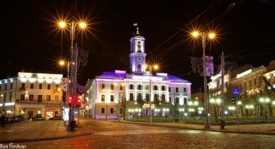 Чернівчан та туристів міста запрошують на нічну екскурсію по місту