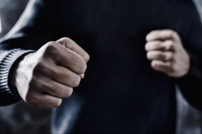 У Чернівцях побились двоє чоловіків, одному з них проломили череп