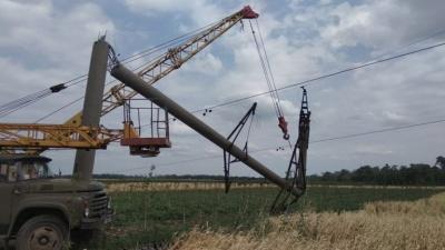 Наслідки негоди: відомо, коли відновлять електропостачання на Хотинщині - фото