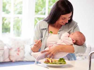 «У дитини коліки, бо ти щось не те з'їла»: Супрун спростувала поширені міфи про грудне вигодовування