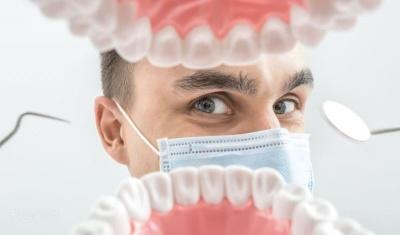 Анекдот дня: про стоматолога