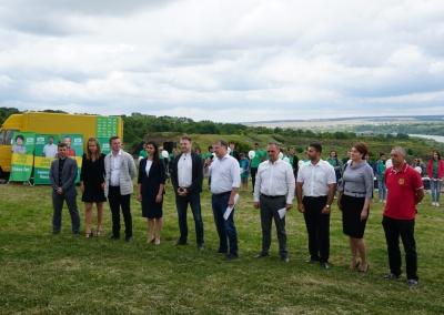 «Ми йдемо, аби змінити країну!»: команда «Слуги народу» провела тур Буковиною*