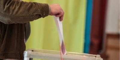 ЦВК вперше за всю історію виборів оприлюднила фото усіх мажоритарників