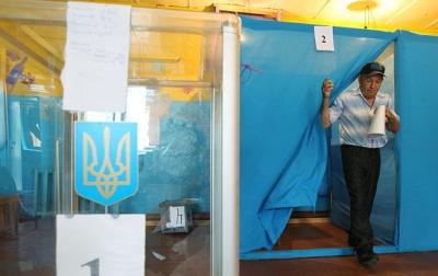 Доступне розмитнення «євроблях» і високі пенсії: що обіцяють кандидати 203 округу на Буковині