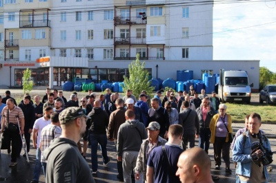 Перекриття вулиці Хотинської: жителі розпочали безстрокову акцію в Чернівцях