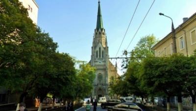 Жителі Чернівців просять відреставрувати костел Пречистого Серця Ісуса: петиція набрала потрібні голоси