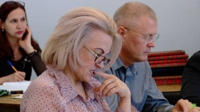 Конфлікт у Чернівецькій міськраді: невідомий вдерся до кабінету секретарки виконкому