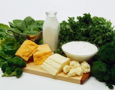 Для міцності кісток і зубів: Супрун назвала топ продуктів, багатих кальцієм