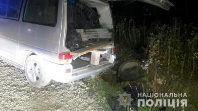 На Буковині перекинувся мікроавтобус із п'яним водієм: загинула 22-річна пасажирка
