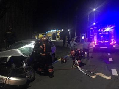 Нічна ДТП на Буковині: внаслідок зіткнення двох авто загинув чоловік – фото