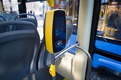 Стало відомо, коли у тролейбусах Чернівців з'являться стаціонарні валідатори