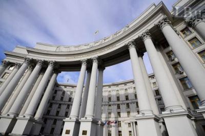 На закордонній дільниці зіпсували усі бюлетені для голосування українців