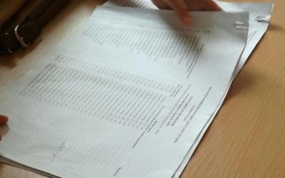 У Чернівцях на одній з дільниць виборці не можуть проголосувати, бо ДВК використовує попередні списки