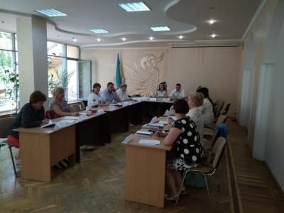 Члени комісії виснажені, але продовжують працювати: як рахують голоси в Чернівцях