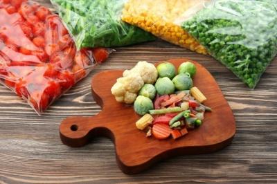 Ніяких солінь і варення: Супрун порадила, як краще заготувати фрукти й овочі на зиму
