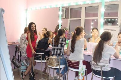 Історія успіху: як молоді чернівчани за три роки відкрили три салони краси