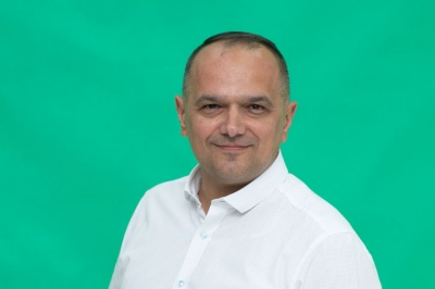 Хто такий Валерій Божик, який переміг на 204 окрузі Чернівецької області