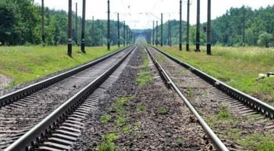 На Хмельниччині між залізничними коліями знайшли тіло 11-річного киянина, який повертався з відпочинку