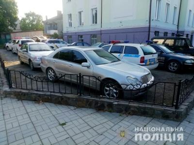 На Буковині поліцейські затримали водія з фальшивим посвідченням