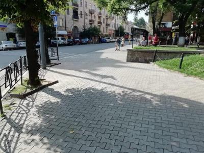 Повернення Обшанського: у центрі Чернівців знову зникла вулична торгівля