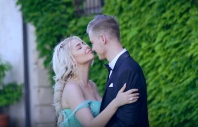 Аліна Гросу у новому кліпі зняла чоловіка й показала чуттєві кадри з весілля в Італії – відео