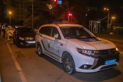 Втік в кущі: п'яний прокурор за кермом втікав від поліції