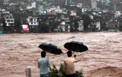 Смертоносна повінь в Індії: число жертв зросло до понад 200 осіб