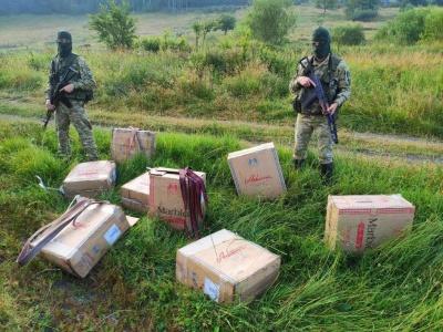 На Буковині курсанти позбавили контрабандистів партії цигарок на майже 200 тис грн