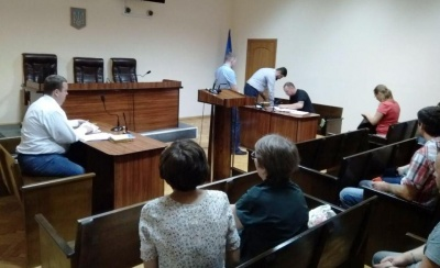 У Чернівцях суд почав слухання справи щодо незаконності передачі кінотеатру «Україна» церкві «Еммануїл»