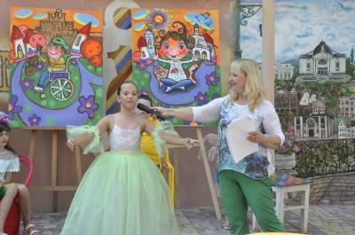«Всі діти рівні, всі талановиті»: в Чернівцях провели студію живопису - фото