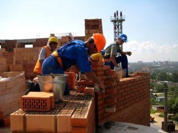 Найбільше заробляють будівельники: назвали зарплати робітничих професій