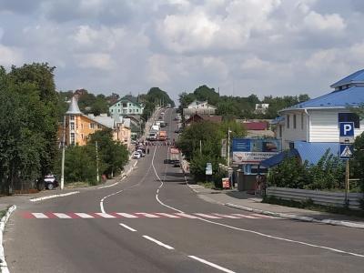 У Кіцмані жителі знову перекрили трасу: вимагають ремонту доріг – наживо