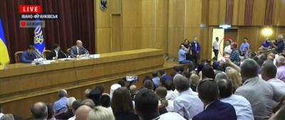 Зеленський зобов'язав екс-чернівчанина Іванчука за власні гроші збудувати дороги на чужому окрузі