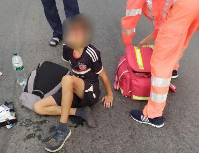 На Буковині легковик збив 13-річного юнака на велосипеді – фото