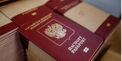 Литва лобіює у ЄС невизнання російських паспортів, виданих жителям ОРДЛО