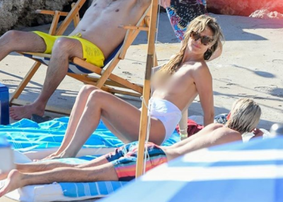 """У мережу потрапили фото легендарного екс-""""ангела"""" Victoria's Secret з оголеними грудьми"""